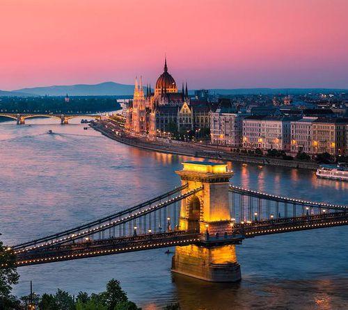 Merlijn gaat naar de mooie blauwe Donau!