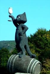 Zell, black cat city