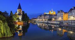 Metz Temple neuf by night