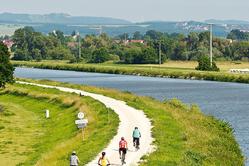 Main Danube Canal, Bike path
