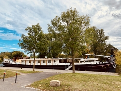 Merlijn docked in Hassfurth