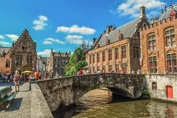 Bruges canalbridge