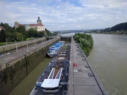 Persenbeug shipping lock
