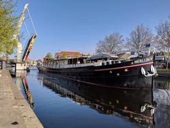 Merlijn passing a bridge in Haarlem